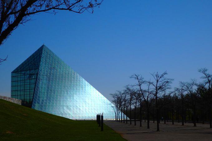 廃棄物処理場が幾何学アートに?札幌「モエレ沼公園」はイサム・ノグチの遺作