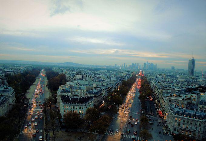 威風堂々パリの顔・凱旋門