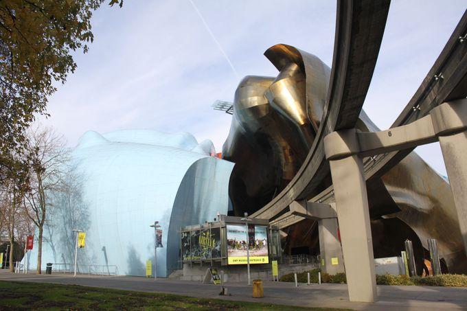 ダウンタウンからのアクセスも便利な、個性ある外観が目を引く博物館