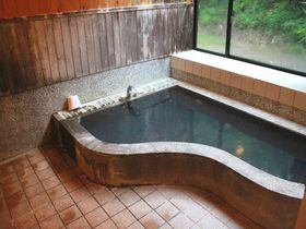 ピアノがお風呂!秋田県田沢湖「ペンションサウンズグッド!」は音楽好きにたまらない宿