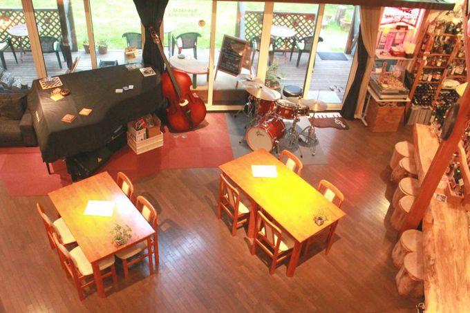 カフェではライブやセッションも!秋田の地酒とジャズを楽しもう