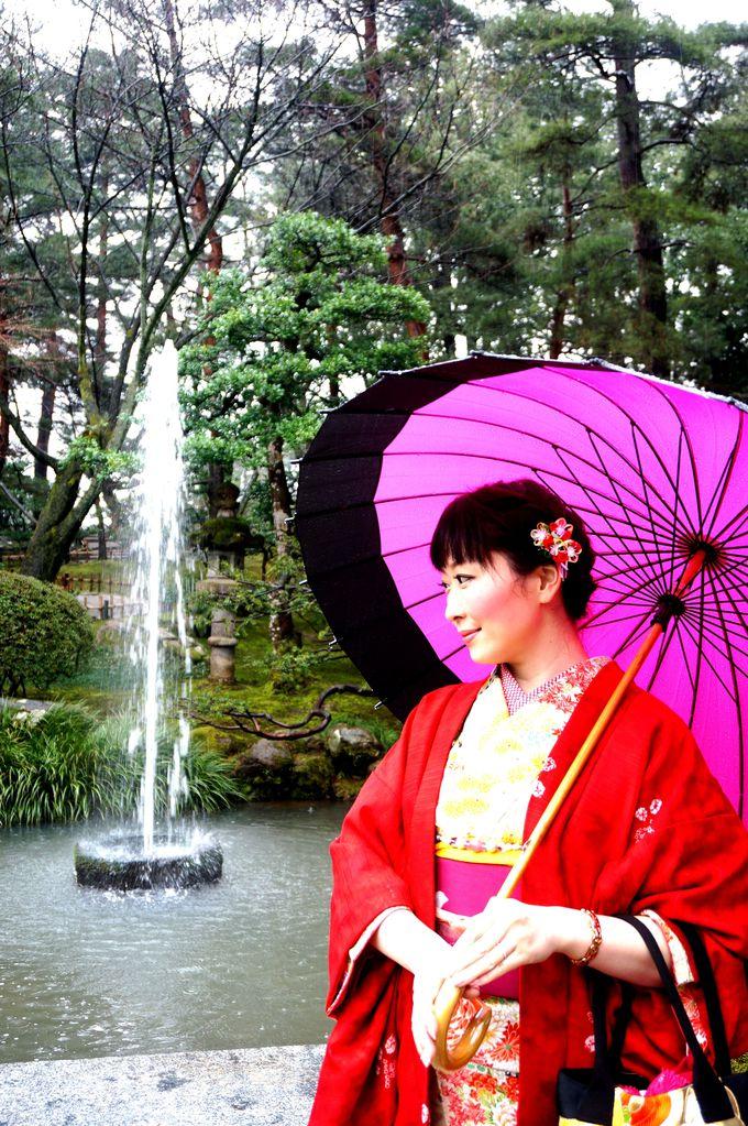私が着物に着替えたら・・金沢は撮影スポットだらけ!!兼六園に茶屋街、どちらを歩いても着物が絵になる!
