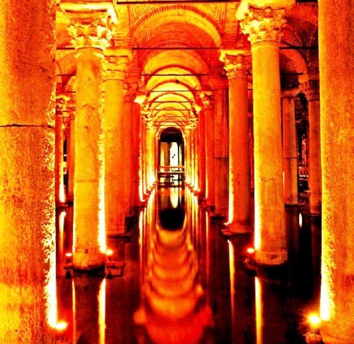 クライマックスに相応しい美しずぎる地下宮殿!