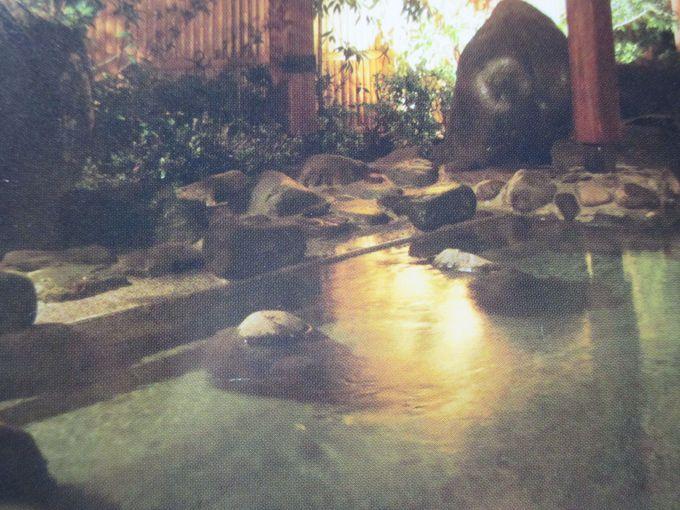 岩造りの大露天風呂「いずみの湯」でリフレッシュ!