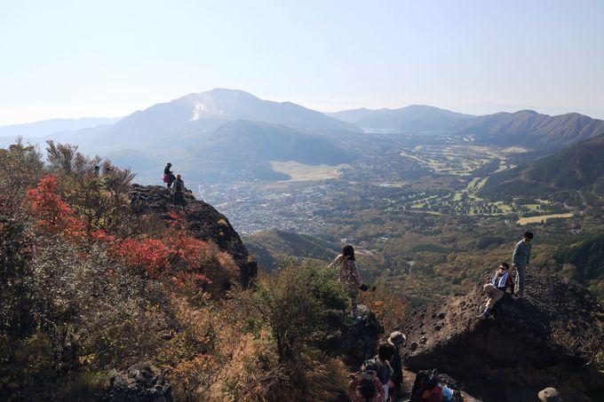 金時山山頂はいつも賑わう人気ポイント!