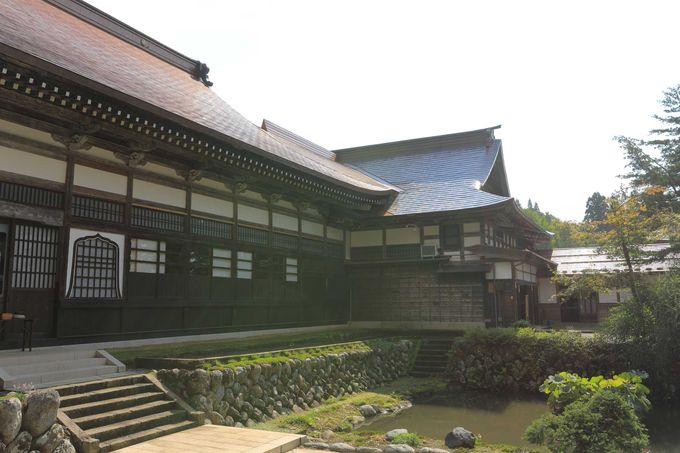 コンパクトな寺院配置