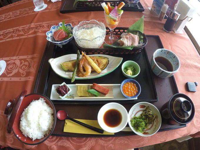 伊豆山温泉で体と味覚の癒しを