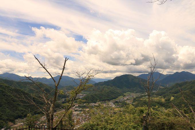 岩殿山頂上は素晴らしい眺め!