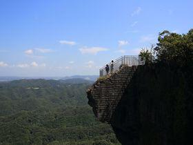 地獄のぞき、ラピュタの壁に日本一の大仏!千葉・鋸山で驚愕の未体験三昧|千葉県|トラベルjp<たびねす>