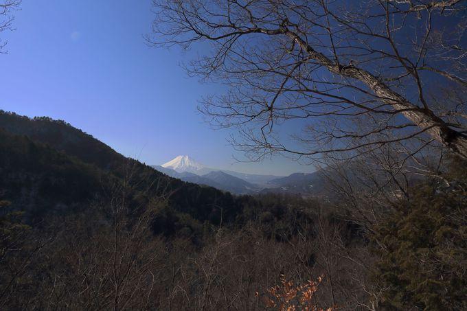 御前山は断崖の岩山!風情の違う秀麗冨嶽十二景をここで眺める