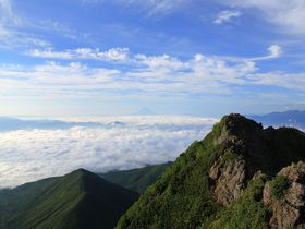 絨毯みたいな雲海!あこがれの八ヶ岳最高峰「赤岳」登山|長野県|トラベルjp<たびねす>