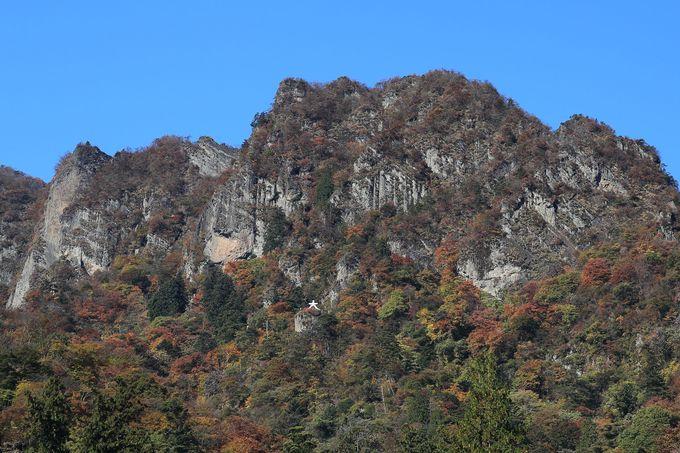 二つとない奇景!群馬・妙義山の麓で、神社参りとハイキング