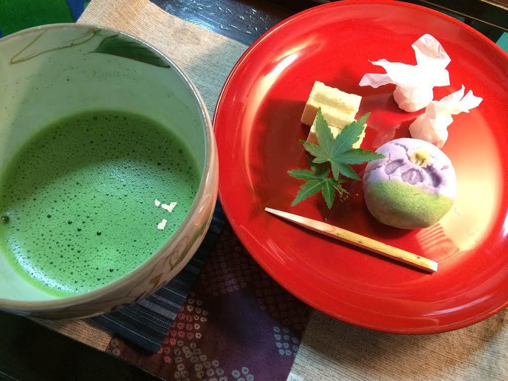 抹茶と和菓子でほっこり!金沢の寺カフェ「宝勝寺」の喫茶室とガーデンを満喫