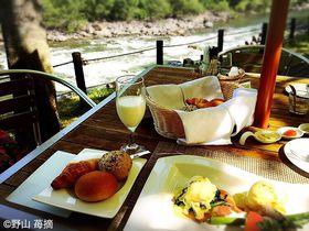 渓流朝食に渓流和室!「星野リゾート 奥入瀬渓流ホテル」で青森の自然と食を満喫|青森県|トラベルjp<たびねす>