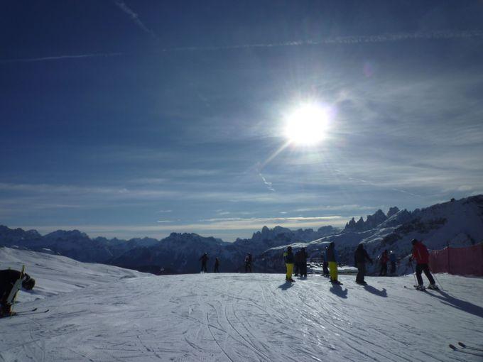 スキー場をワイドに楽しむならパッソ・サンペレグリーノ。