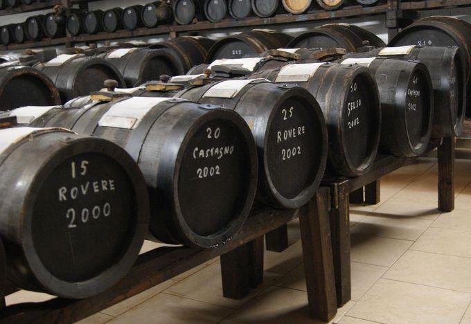 熟成年数100年以上も可!バルサミコ酢工場