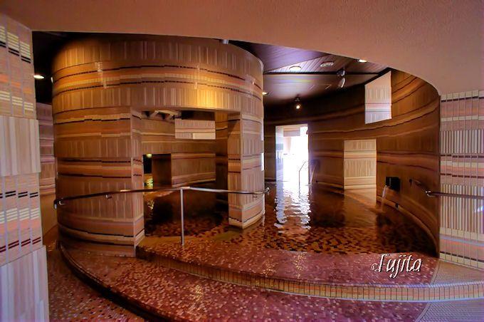 モノリスタワーは斬新な浴室でリピーターになる!