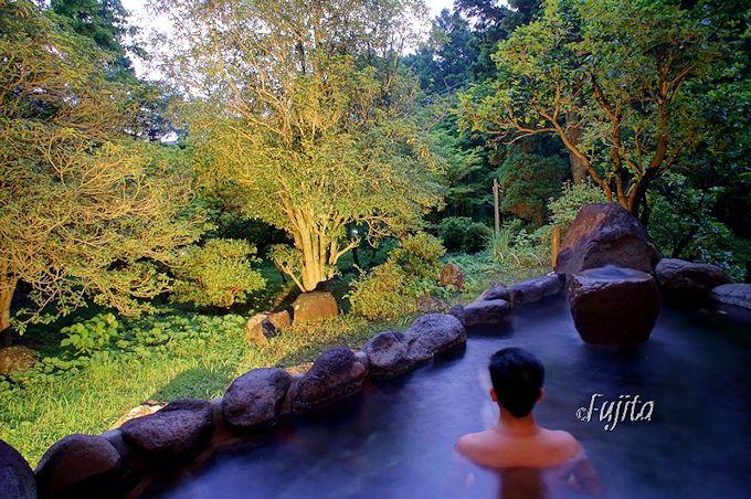 四季を彩る源泉の宿で貸切露天風呂を堪能!
