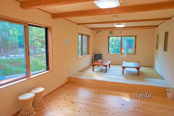 大塩温泉 共同浴場は、美しく快適な休憩室も完備