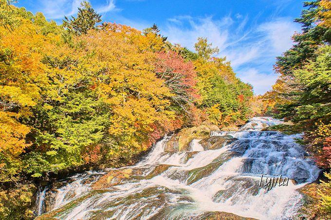 龍の姿が美しい日光の名瀑「竜頭ノ滝」