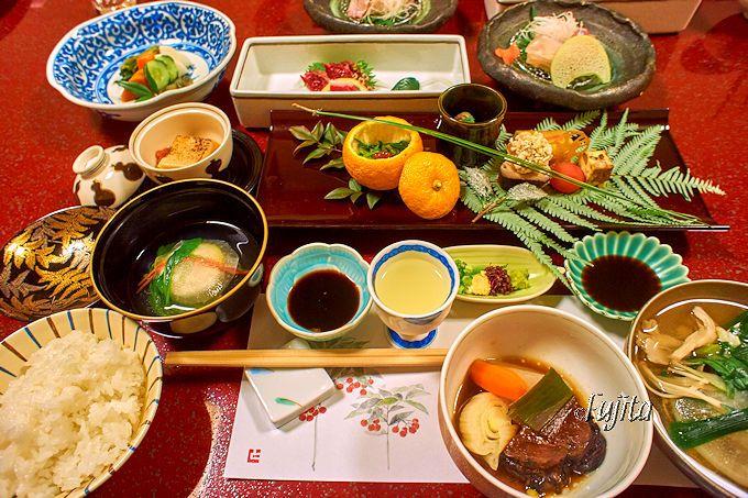 黒川温泉 黒川荘の料理は、繊細な盛り付けで品数も多い