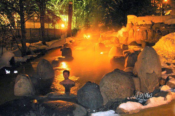 平湯温泉「ひらゆの森」の雪見露天風呂