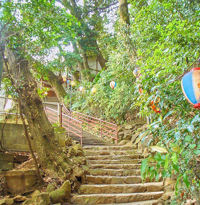 箱根湯本温泉「かっぱ天国」は、駅前なのに山の秘湯を思わせる立地!