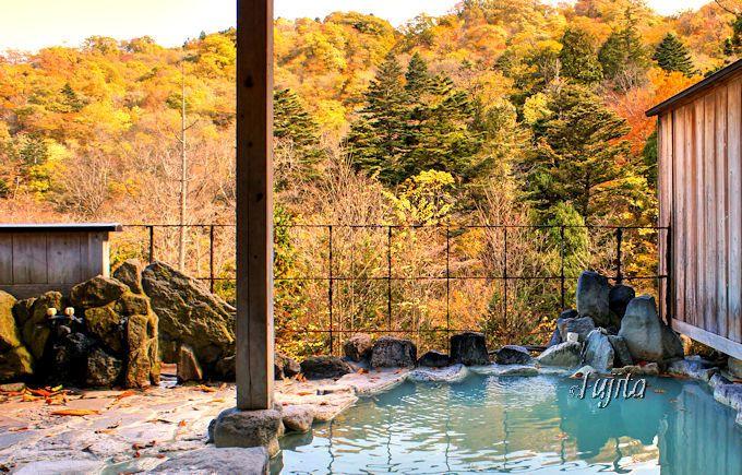 塩原温泉「大出館」の露天風呂で絶景の紅葉狩り!
