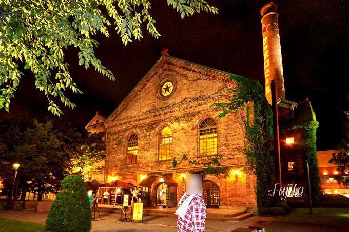 忘れずに記念撮影したい!サッポロビール園の夜景