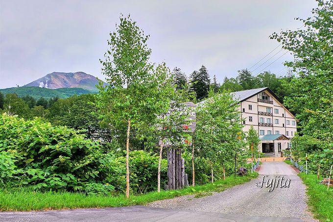 旭岳温泉「湯元 湧駒荘」は、交通至便な秘湯の宿!