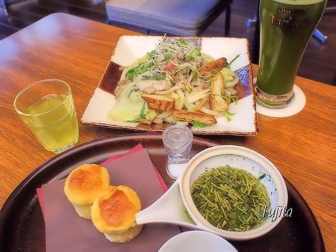 大人気の和風カフェ「伊右衛門サロン京都」も徒歩1分!