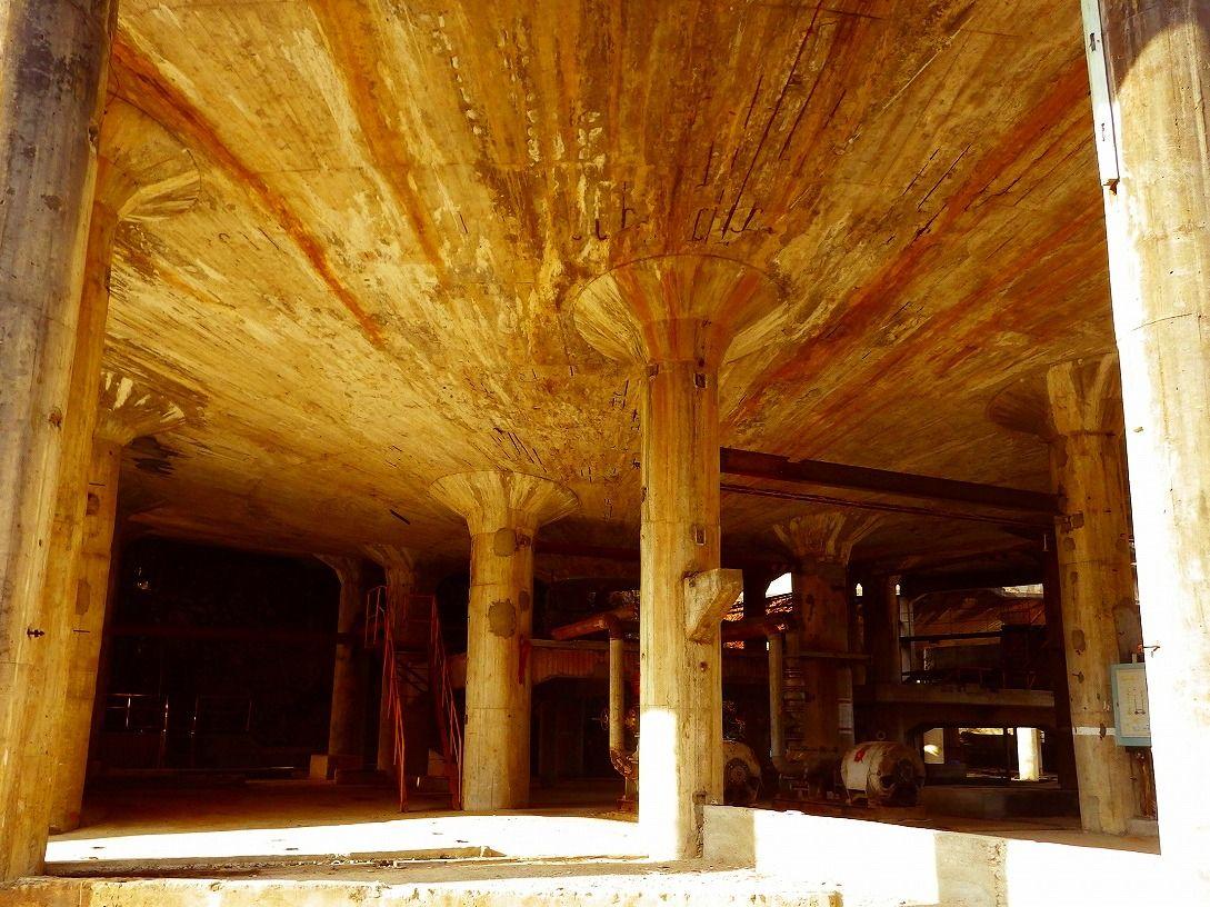 神殿を彷彿とさせる産業遺跡 シックナー跡