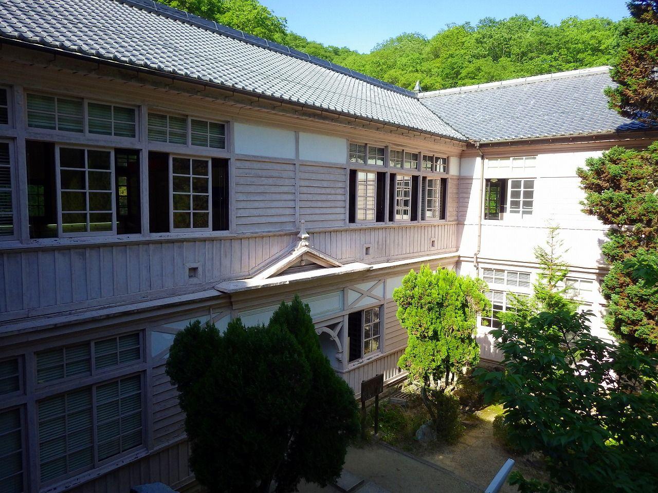 旧閑谷学校を知るならここ!木造校舎が懐かしい「閑谷学校資料館」