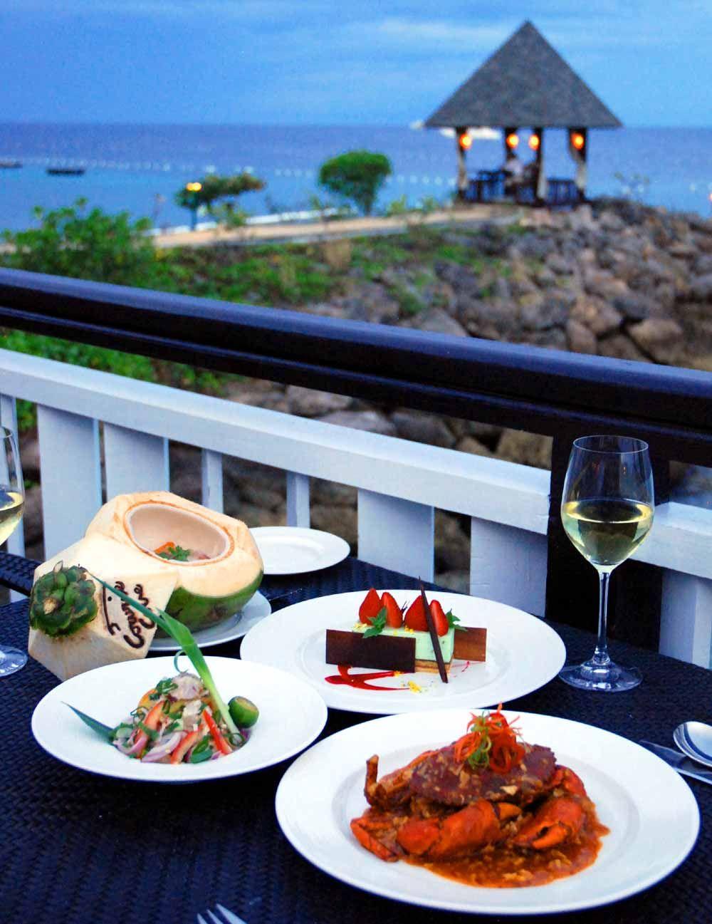 各国料理が楽しめる充実のレストラン