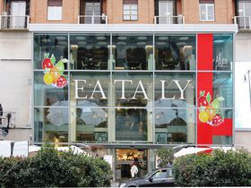 ミラノのイータリーは何でも揃う高級フードマーケット