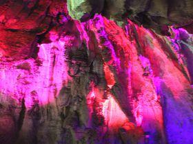 神秘的な穴場洞窟!スイス・バール「ヘルクロッテン」