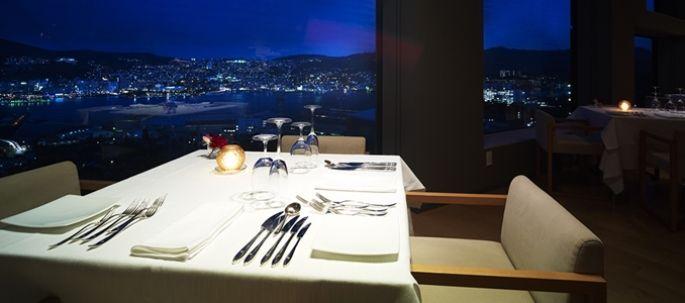 ディナーはちょっとおしゃれしてFORESTで! これぞ絶景のレストラン