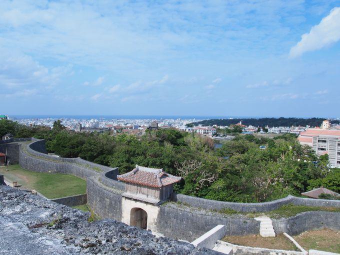 1日目 午前:世界遺産「首里城」で琉球王国の栄華を偲び「金城町の石畳」へ