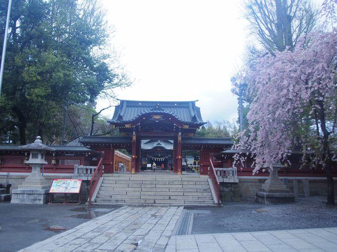 神門から社殿のある本境内へ