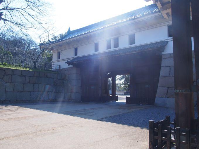 現存する巨大な桝形虎口「大手門」