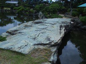 紀州路、豪壮な池泉庭園を歩く~琴ノ浦温山荘園~|和歌山県|トラベルjp<たびねす>