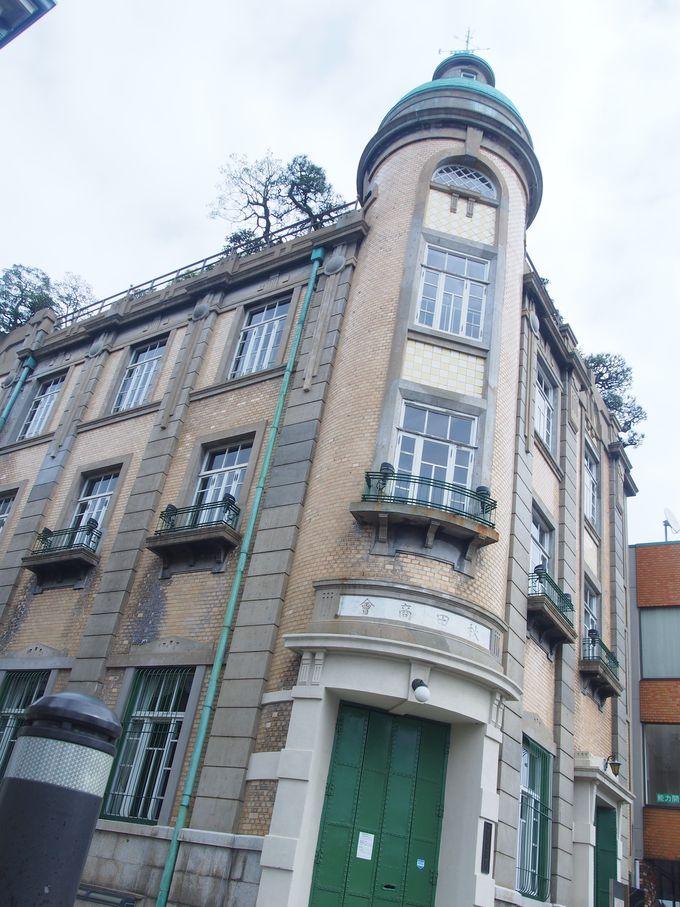 屋上庭園を擁する和洋折衷「旧秋田商会ビル」