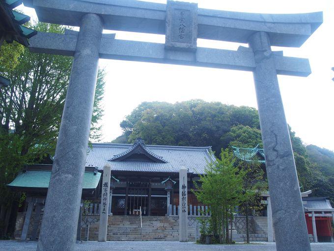 平知盛が眠る甲宗八幡神社