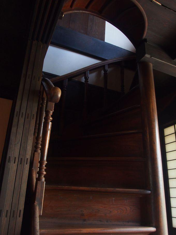 日本家屋は珍しい「螺旋階段」