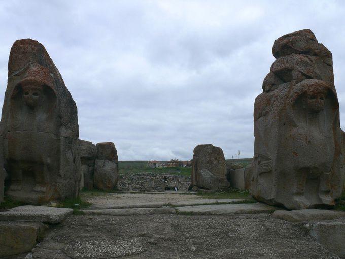 アラジャ・ホユックに残るスフィンクスの門