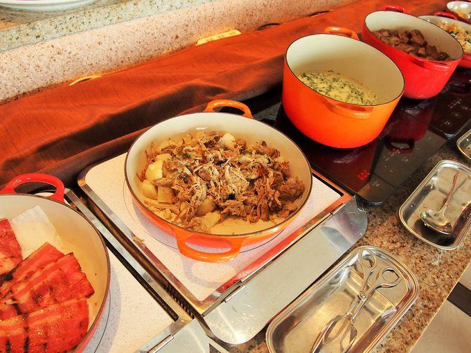 地元の食材も使用したレストラン「The Orange」の朝食ビュッフェ