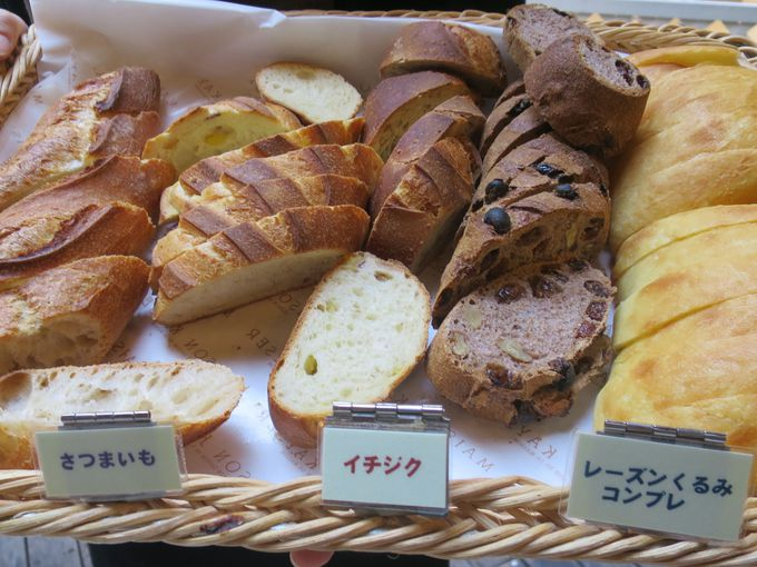 約10種類のハード系パンが食べ放題!