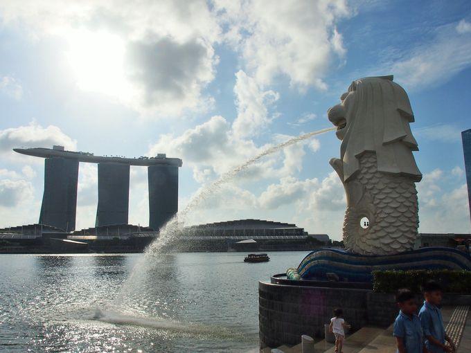 シンガポールのシンボルは譲れない!?人気者のマーライオン