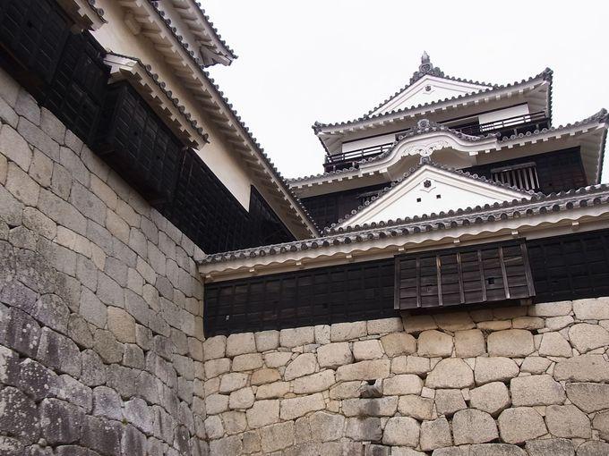 何処からでも狙われている気になる「松山城」