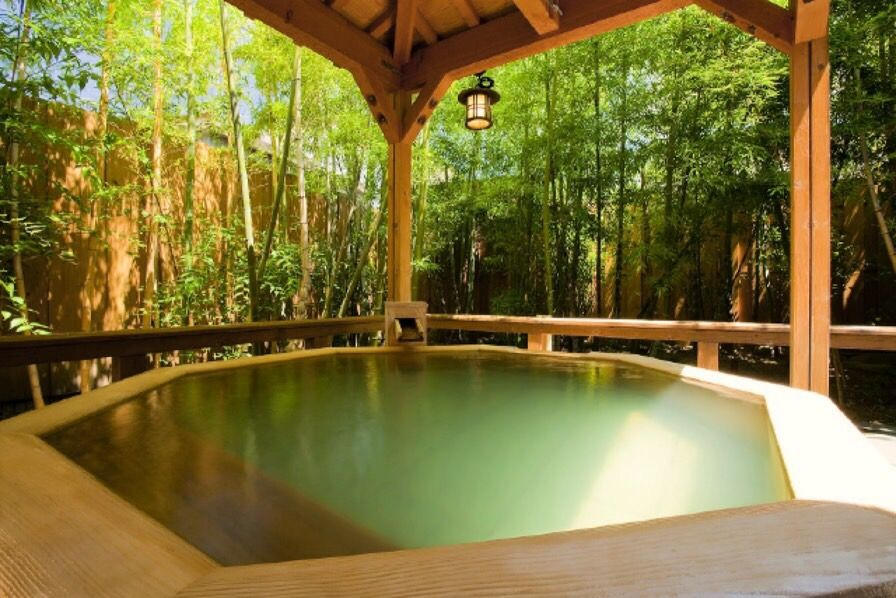 総畳敷き!庭園露天風呂も!三朝温泉「木造りの宿 橋津屋」の魅力に迫る
